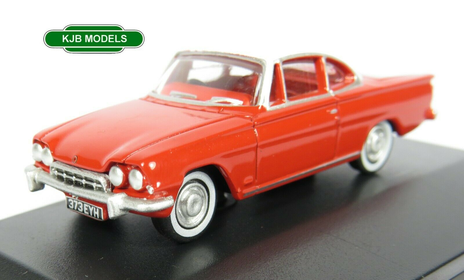 BNIB OO GAUGE OXFORD 1:76 76FCC003 Ford Consul Capri Monaco Red and White Car