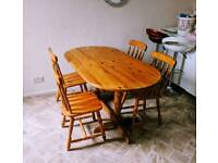 Beautiful Wooden Dining Tabel - Low Price