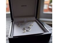 Ortak necklace, silver chain and a pearl pendant, mint in box
