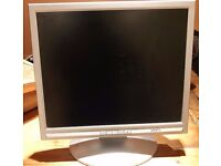 """17"""" FLAT SCREEN PC COMPUTER MONITOR WITH cables and Stand. Located in Headington"""