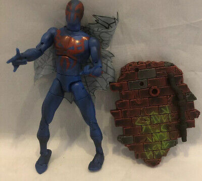 2001 Toybiz Spider-Man 2099 Figure #1 Marvel Legends Comics With Accessory