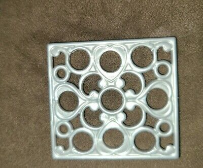 Barbie Sisters Dreamhouse Glam Camper Refrigerator Rack 2013 Replacement Part