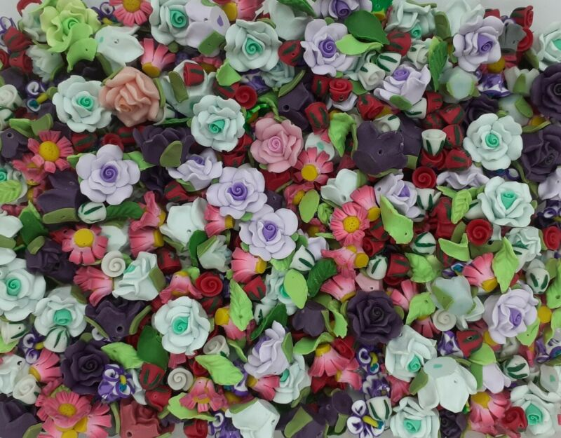 50+pcs+MIXED+POLYMER+CLAY+FLOWERS+AND+LEAVES%2C+MIXED+COLOURS+AND+SIZES