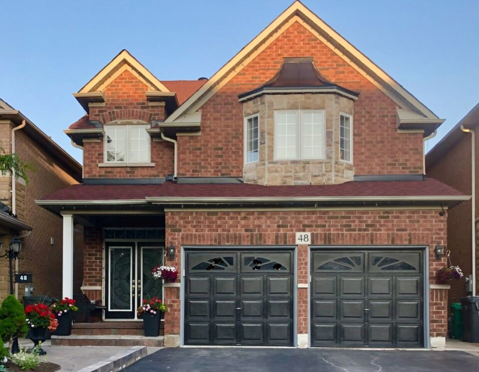 Amazing Beautiful 4 Bedroom Brampton House For Sale Houses For Home Interior And Landscaping Palasignezvosmurscom