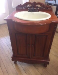 "24"" Kohler vanity with sink and tap"