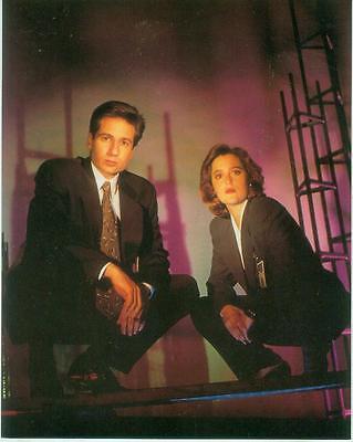 X-Files Poster Card # 236 (Fox Mulder & Dana Scully) (USA, 1995)