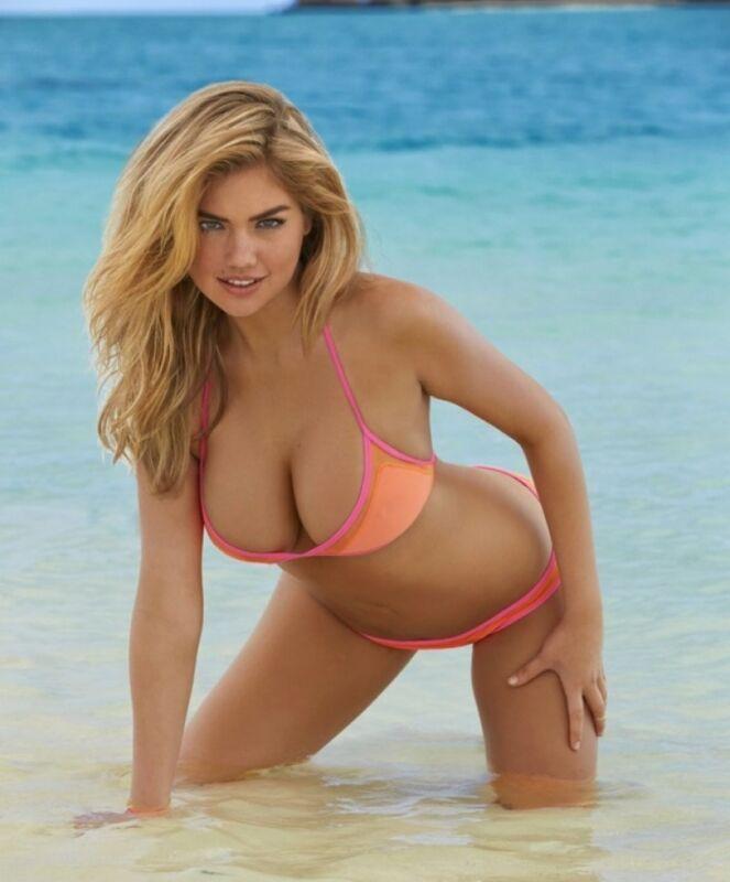 Bella Thorne Posing Sexy In The Beach  8x10 Photo Print