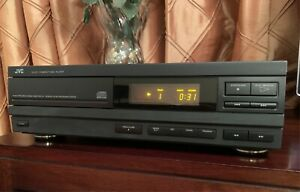 VINTAGE JVC CD PLAYER