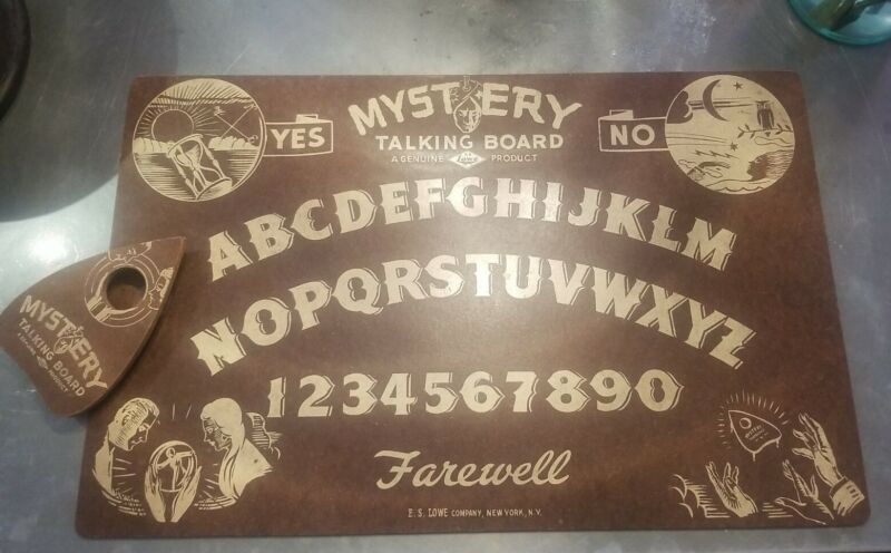 Vintage 1940 Mystery Talking Ouija Board & planchette By E.S. LOWE Company