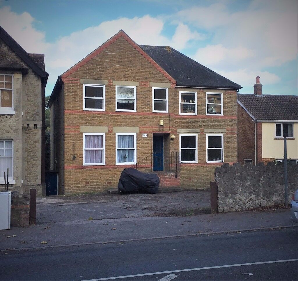 Self-contained studio available to rent on the London Road, Maidstone