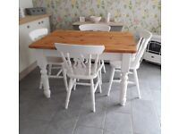 TRADITIONAL FARMHOUSE KITCHEN DINING TABLE AND 4 CHAIRS