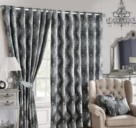 Curtain and bed-spared clearances