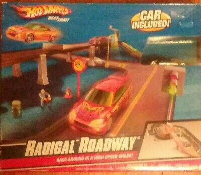 Hot Wheels Radical Roadway High Speed Race Track w/Car Ages 3+ NIB