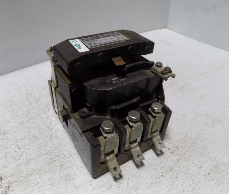 GENERAL ELECTRIC SIZE 4 CONTACTOR 150AMP  CR305FO