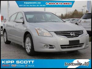 2011 Nissan Altima 2.5S CVT, Cloth, Cruise, A/C, Audio Aux Input