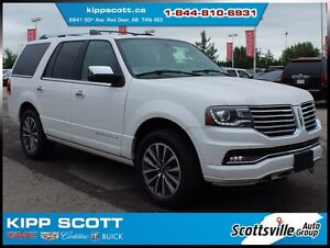 2015 Lincoln Navigator 4WD, Leather, Sunroof, Nav, Power Steps
