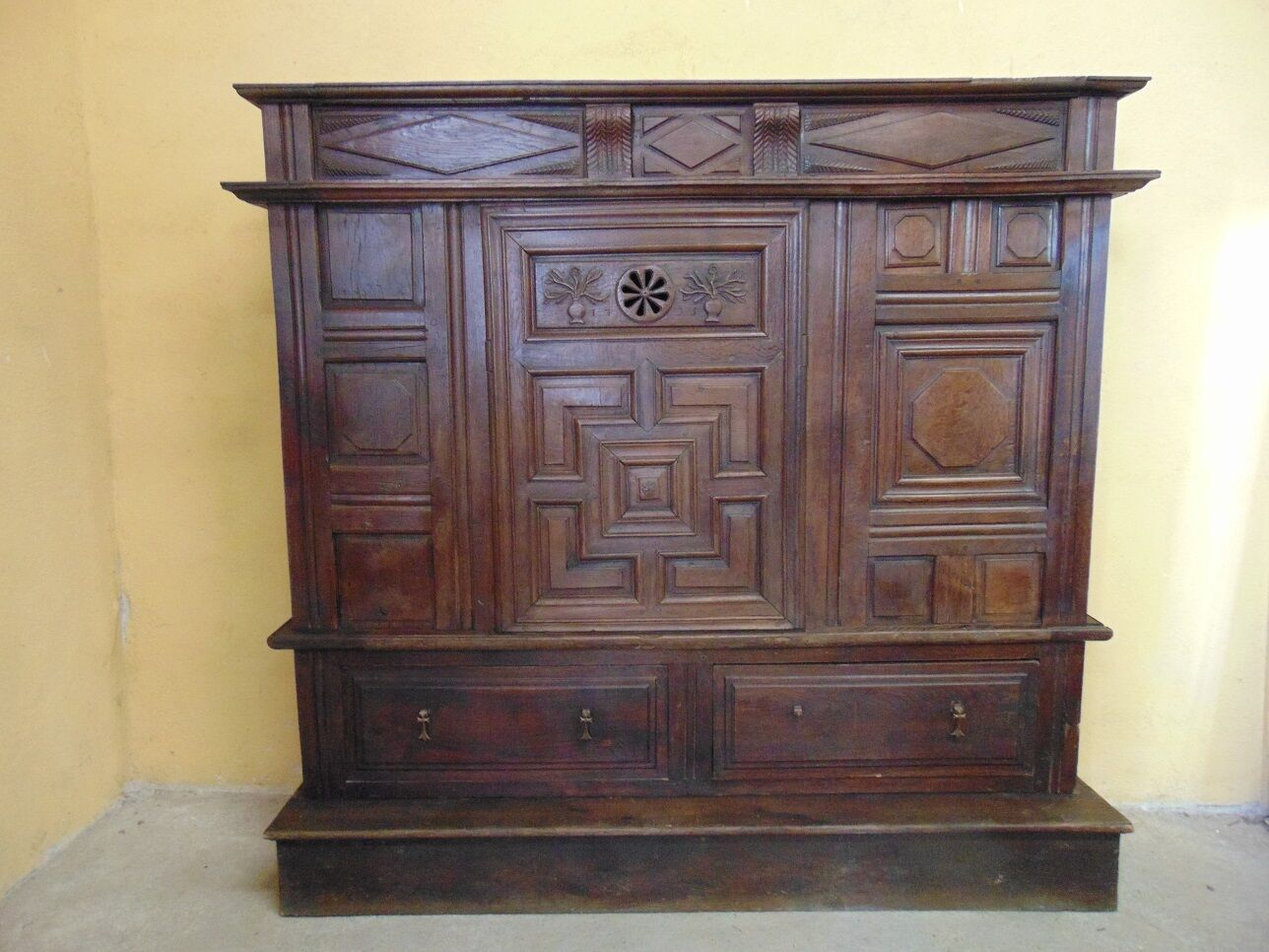 Rare small  18th Century armoire C1735 (AW832)