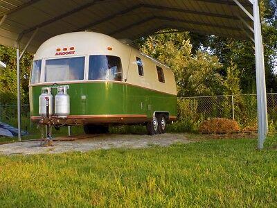 Custom 1976 Argosy Airstream Food Trailer Food Truck. Turnkey Solar Ready.