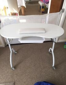 Portable manicure table with carry case £40 ONO