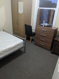 Massive Large Double Room with Private Bathrom from £650