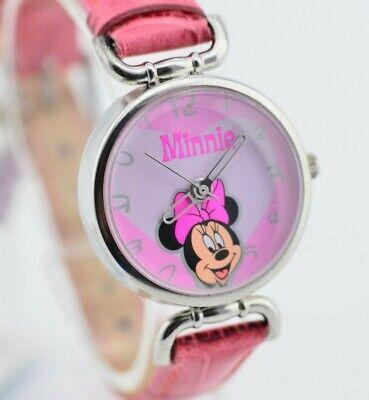 F660 Vintage Disney Minnie Mouse Cute Petite Watch from Disneyland Japan 13.1