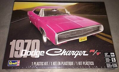 Revell 1970 Dodge Charger R/T 1/25 scale plastic model car kit new 4381 *
