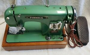 Pinnock Sewmaster sewing machine heavy duty. Gr8 learner machine