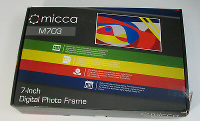 Micca M703 7-Inch 800x600 High Resolution Digital Photo Frame With Auto On/Off