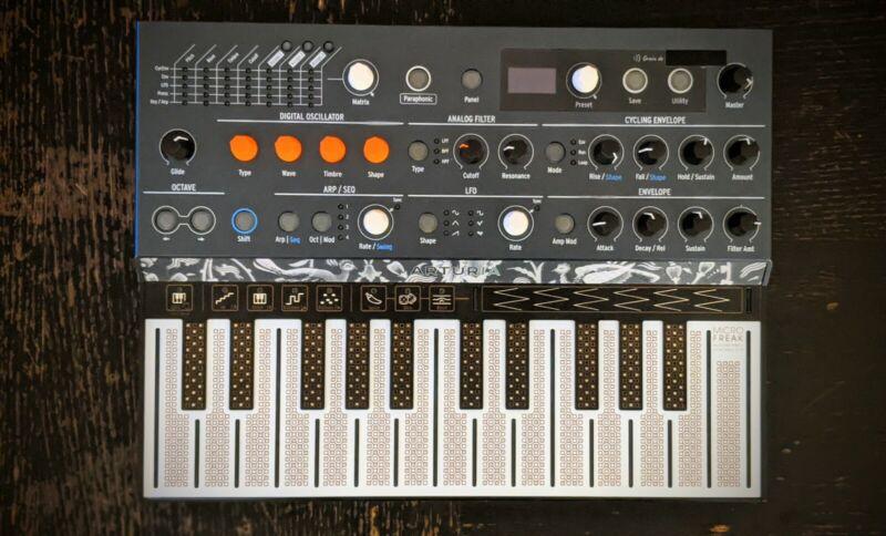 Arturia MicroFreak Hybrid Keyboard Synthesizer - 25 Keys