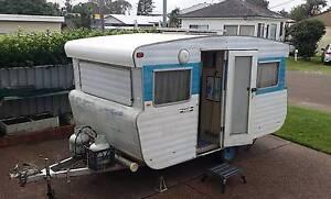 """caravan Viscount Ambassador 13' 4"""" 1972 NSW registered & tows Belmont Lake Macquarie Area Preview"""