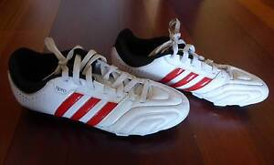 Soccer/Football boots size US 9 Dernancourt Tea Tree Gully Area Preview