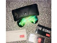 Blue/green mirrored Ray-Ban Aviator Classic sunglasses