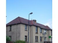 ATTRACTIVE 3 BED UNFURNISHED UPPER VILLA FLAT IN BONNYRIGG