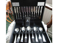 Royal Doulton cutlery set. 44 pieces (dining set for 6 people). Stainless steel