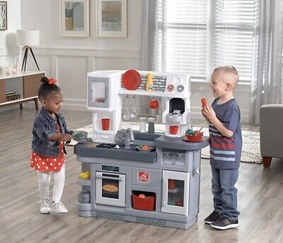 Step2 Love to Entertain Kitchen Play Set 36 Pc Age +2 Creative Thinking Kitchen
