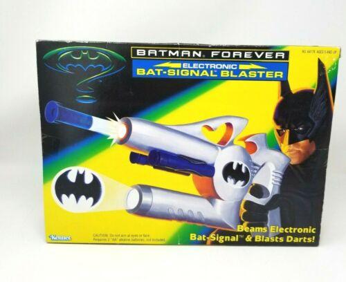 Kenner DC Universe 1995 Batman Forever Electronic Bat-Signal Blaster NIB