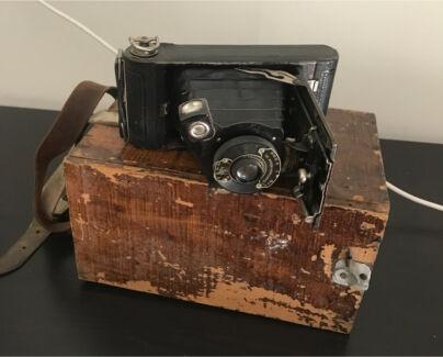Antique / Vintage Camera