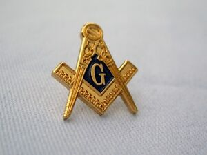 Masonic Gold Tone Square and Compass Lapel Pin and Gift Pouch