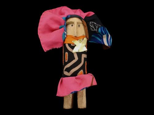 1970s SAN BLAS ISLANDS PANAMA KUNA WOODEN NUCHU HEALING DOLL MOLA Handmade Dress