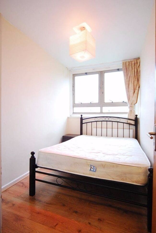 Single Room with a Double Bed in Maida Vale