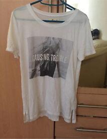Hollister print white T shirt size xs/S