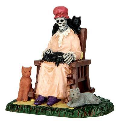 Lemax Spookytown Former Cat Lady #62428