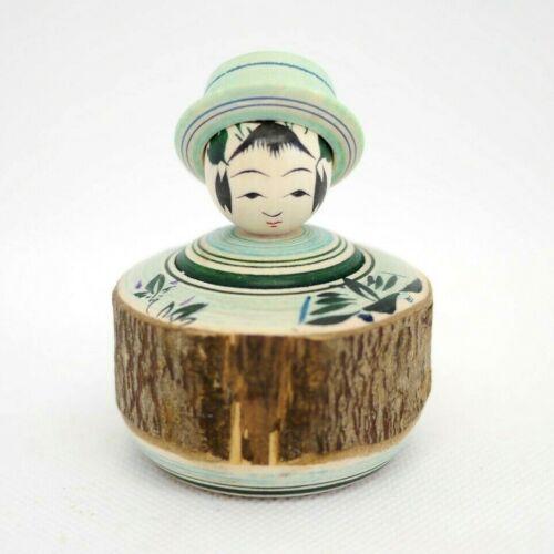 6cm Japanese Traditional Dento Kokeshi Doll Hideaki Onuma(1956-) Green Hat
