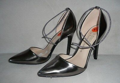 Ann Marino By Bettye Muller Amelie Dorsay Pointed-Toe Pumps Silver Size