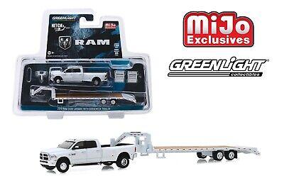Greenlight 2018 Dodge Ram 3500 Laramie with Gooseneck Trailer 1/64 51308