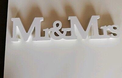 Schriftzug Holz MR & MRS Buchstaben weiß Hochzeit Tischdeko Geschenkidee Deko ()