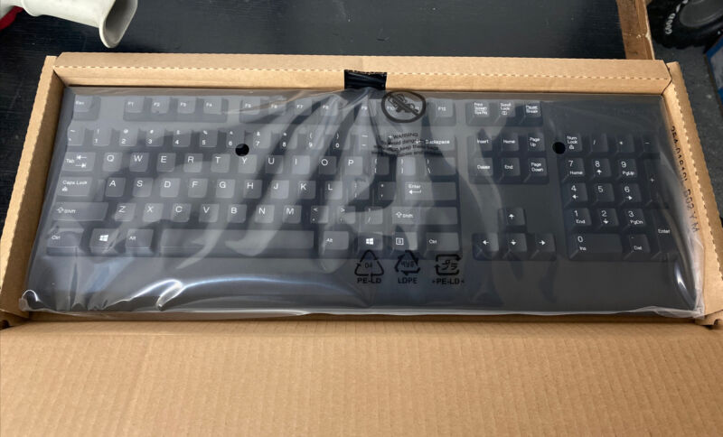 BRAND NEW Lenovo Traditional Wired USB Keyboard Black Fast Shipping