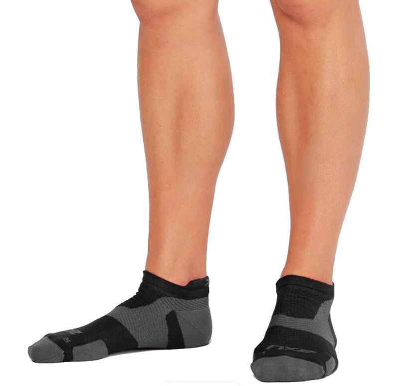 2XU Vectr Light Cushion No Show Compression Socks - Black/Titanium