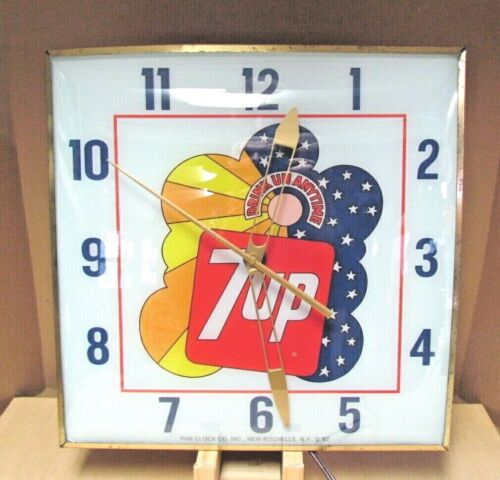 Pam Lighted 7UP Clock Peter Max Style 70s Excellent Condition