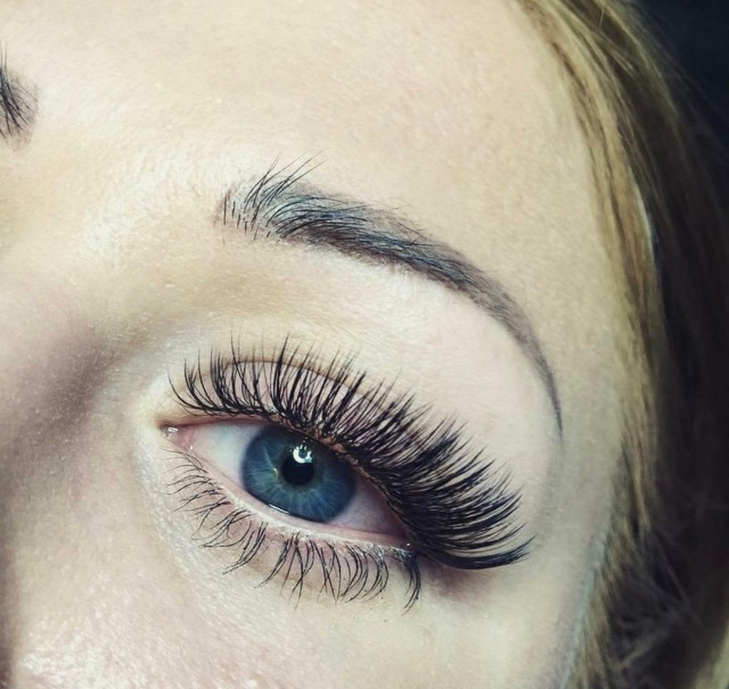 31cf5580eed Individual and Russian Lashes OFFER***. Broadmead, Bristol.  https://i.ebayimg.com/00/s/OTY4WDEwMjQ= ...